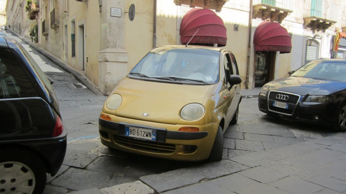 """Parallel"" parking in Sicily"