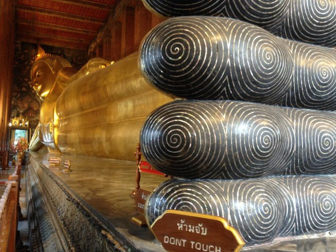 The reclining buddha at Wat Pho temple.